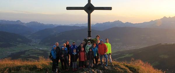 Wandern für Anfänger_Wandern für Anfänger Wanderurlaub Österreich Hotel Tauernhof wandern Salzburger Berge in Österreich