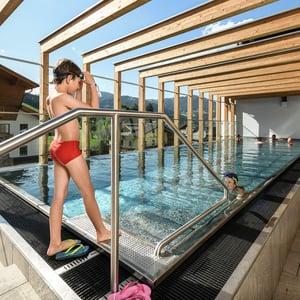 Sporthotel Tauernhof Hotel Flachau Familie Harmls Aparthotel Wellness Spa Pool