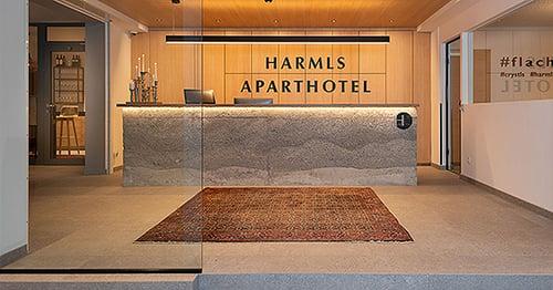 Herzlichkeit Familienhotel Harmls Sparthotel Freunde Rezeption Willkommen in Flachau