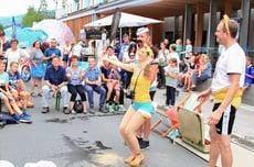 Straßenfest mit Künstler