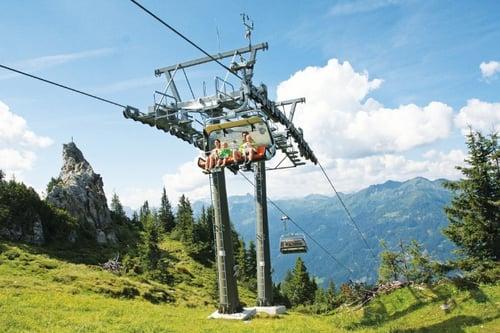 liftwandern_cmyk.jpWanderurlaub Flachau Familienurlaub Hotel Österreich Salzburger Land Wanderung Aktivprogrammg_297507688