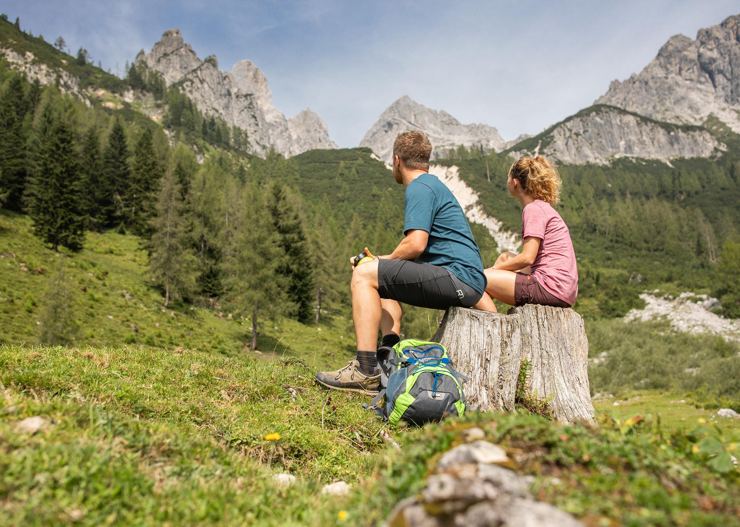 Salzburger Gipfelspiel Bischofsmütze Königin Wanderurlaub Tauernhof Harmls Hotels in Flachau Österreich