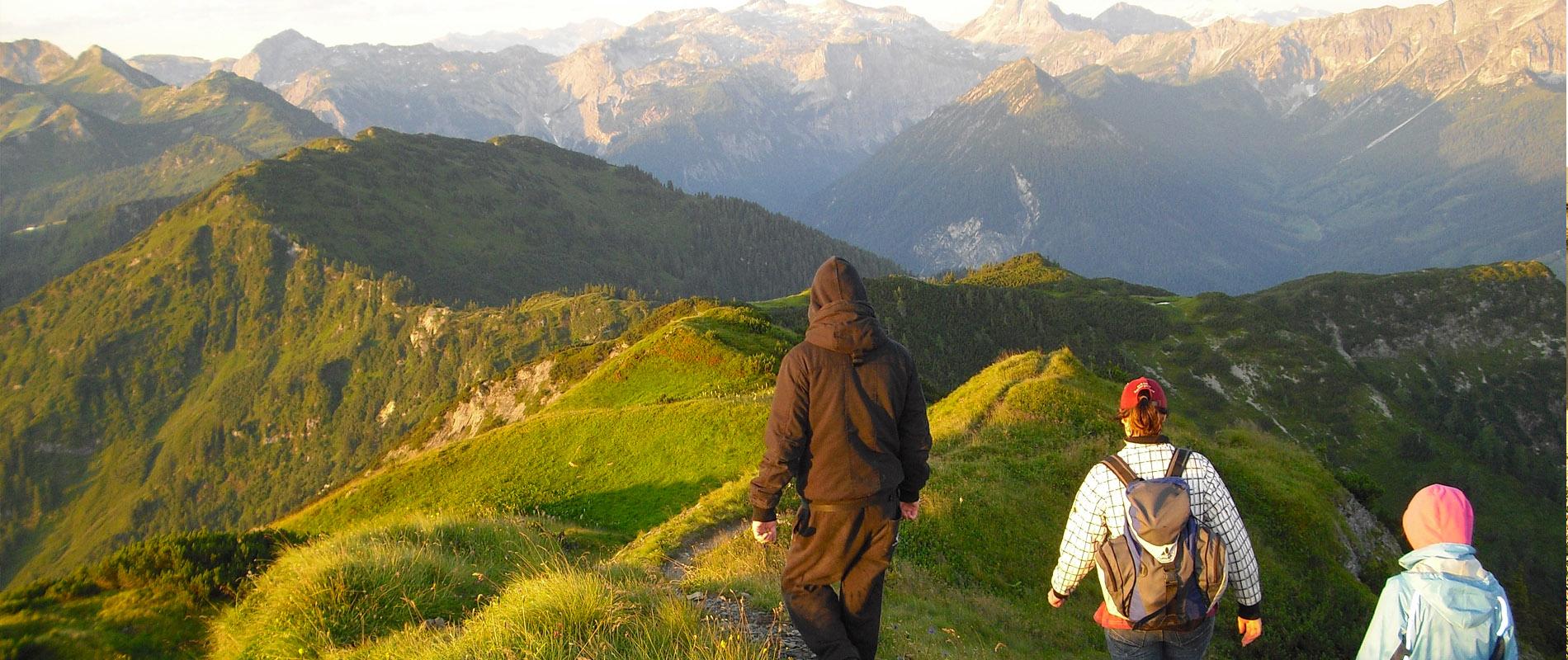 Wandern Salzburger Berge Flachau Hotel Tauernhof Wanderurlaub Entschleunigen für die Gesundheit