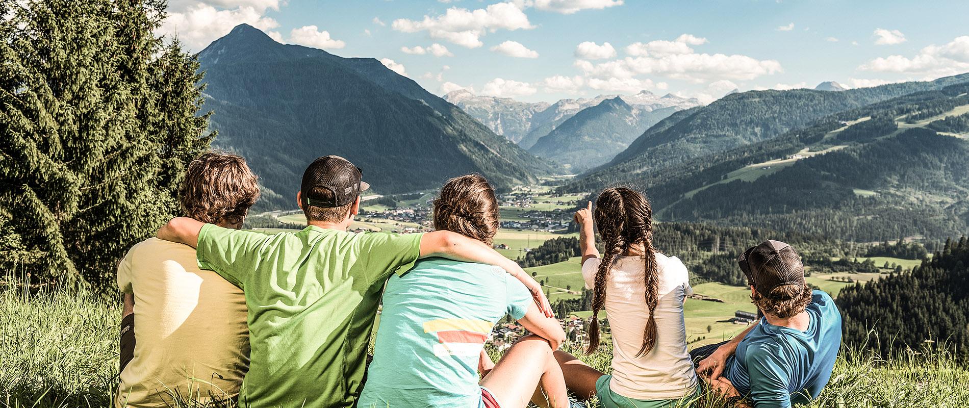 Checkliste Wanderurlaub Wandertour Flachau Österreich Sporthotel Familienwanderung Hotel harmls